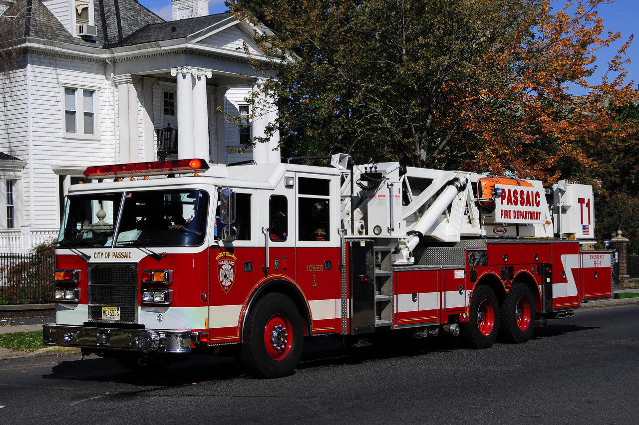 Passaic Tower 1 - 2001 Pierce Dash 95'